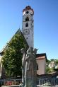 35-Pfarrkirche mit Brunnen