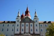 09-Klosterfassade