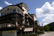 01-Grand Hotel